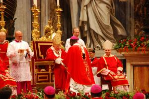 Mgr Samuel Klead receives pallium from the Pope