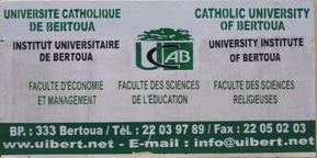 Plaque UCAB