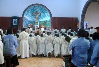 Priest-renew-priestly-ordin