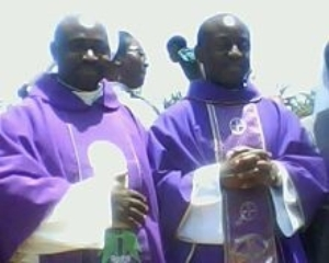 Newly ordained priests say first Mass