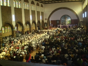 Kumbo Cathedral full to capacity during the Requiem Mass (4)