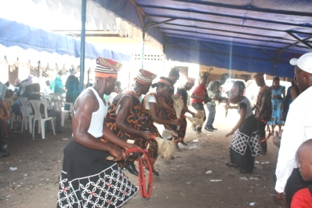 DANCE GROUPS ANIMATING