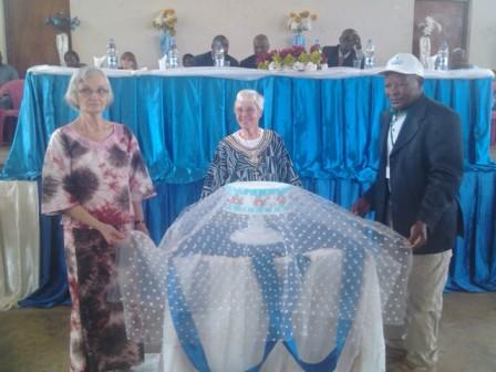 Ok president, Cameroon coordinator and community leader unveils anniversary cake