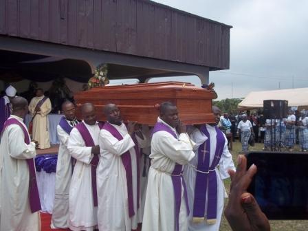 حقيقة صور جنازة الشهيد ماثيو