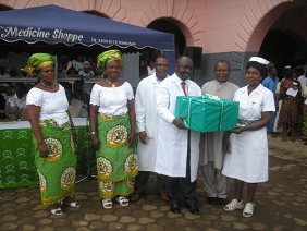 Nigerian_union_with_hospital_staff_